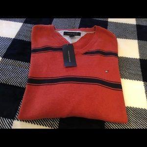 BNWT. Mens XL Tommy Hilfiger sweater.